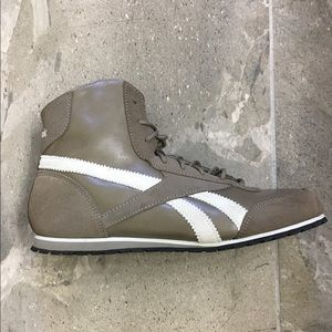 Reebok Hightop Shoes Women's Size 7.5